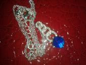 náhrdelník s kamienkom,