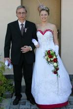 ...jako poslední nevěsta s otcem.