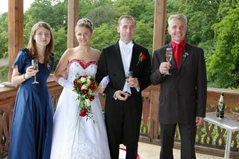 nevěsta, ženich a jejich svědkové