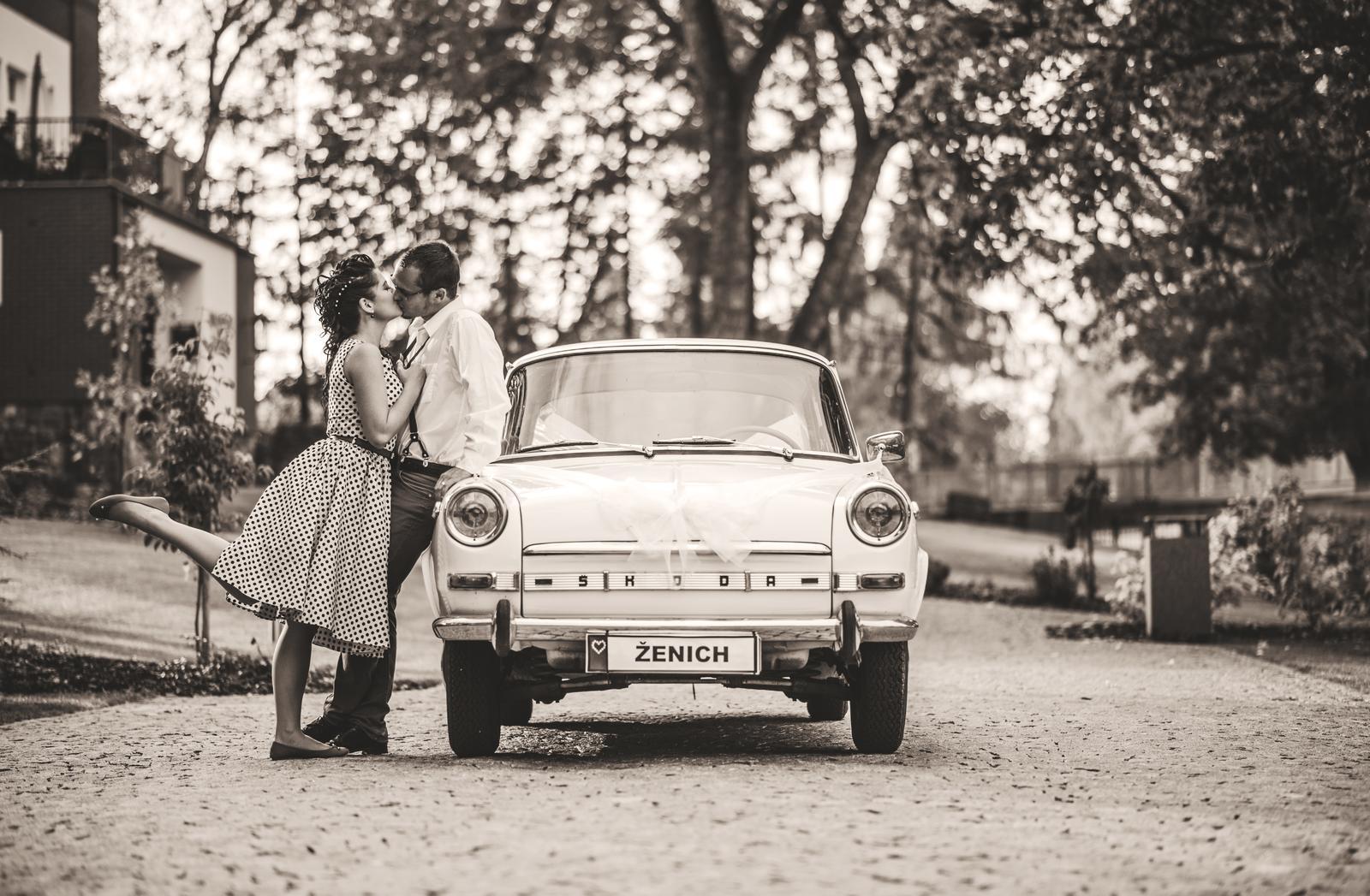 Dneska je to přesně půl roku od svatby! ......:-) To to letí...:-) https://www.youtube.com/watch?v=f-aTCnX0rtA - Obrázok č. 1