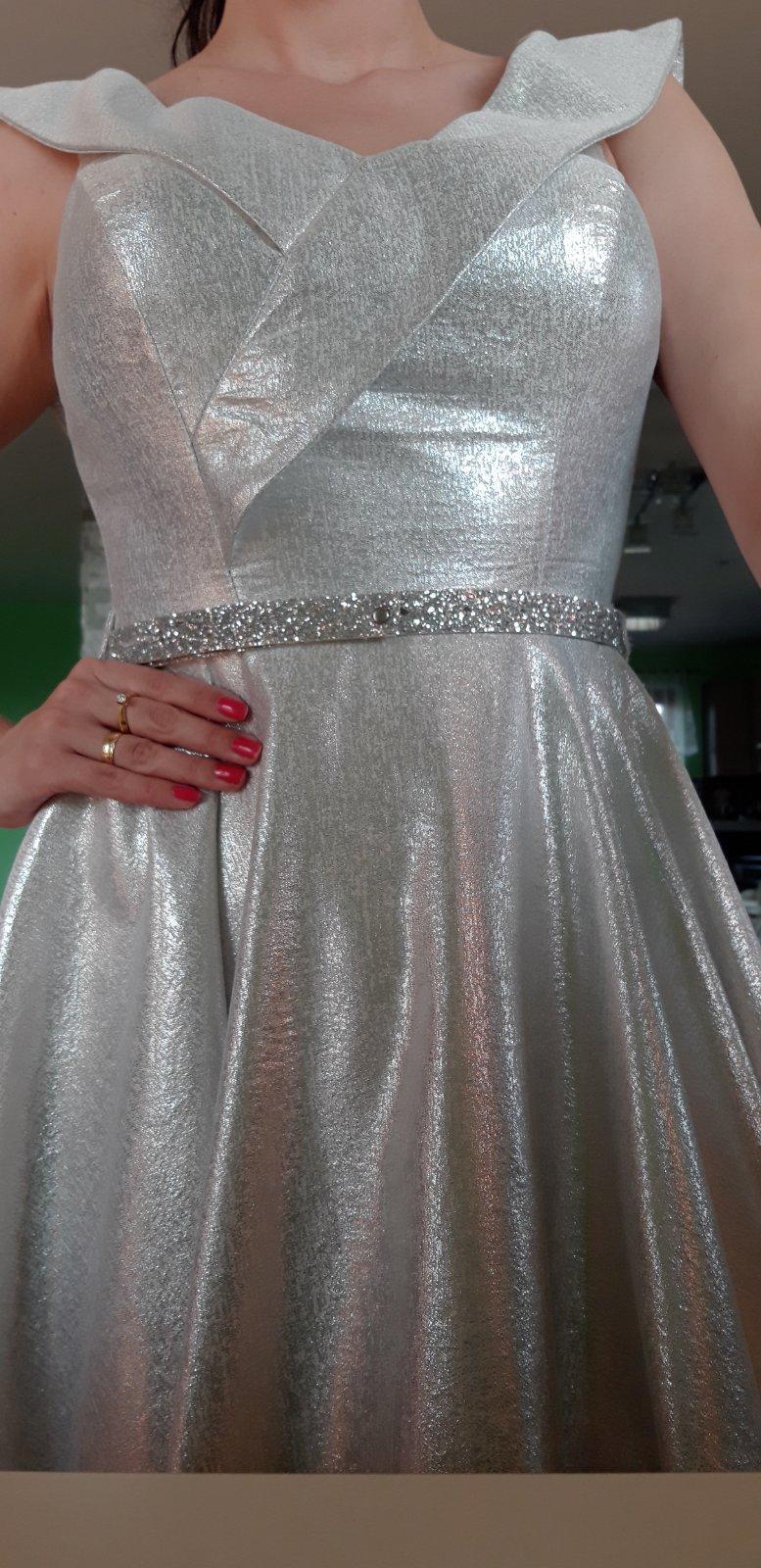 Luxusné šaty - Obrázok č. 1