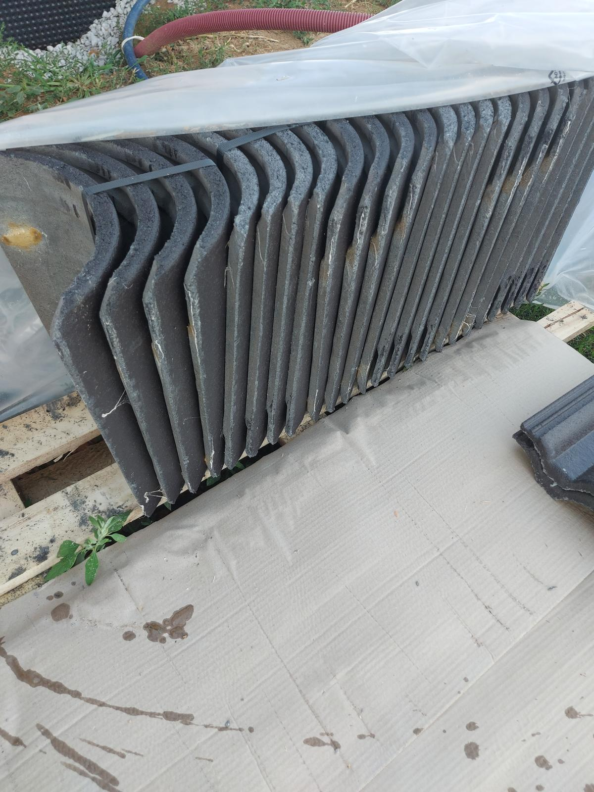 Škridla Terran Danubia Evo Carbon čierna - Obrázok č. 1