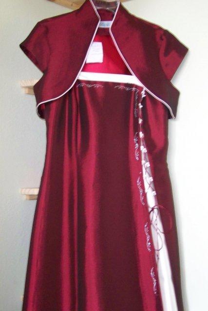 12.9.2009 - moje prekrásne popolnočné šaty :)
