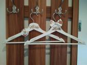 Rustikální ramínka pro ženicha  a nevěstu,