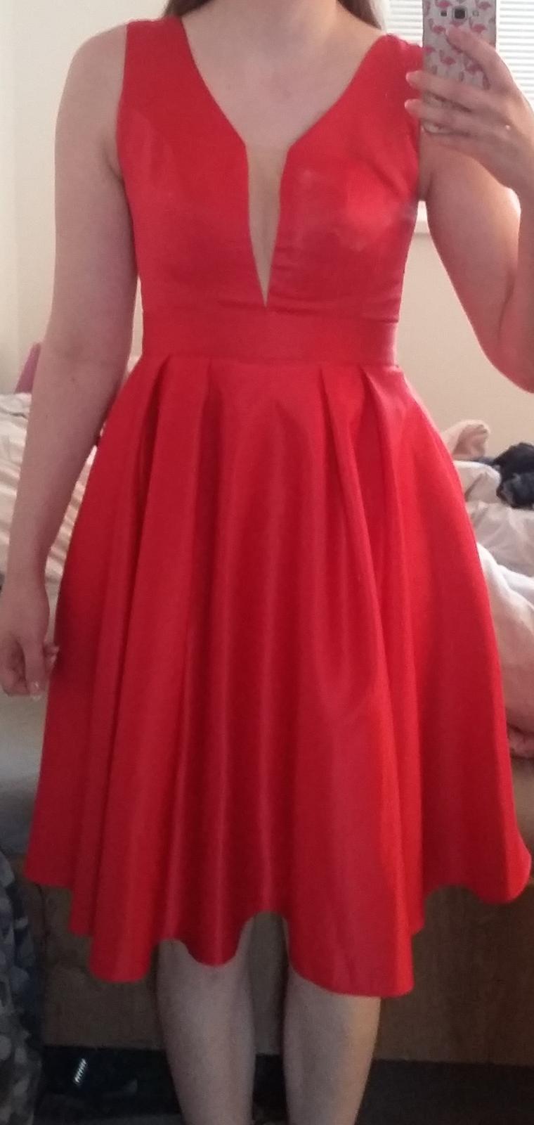Červené šaty, redový - Obrázok č. 3