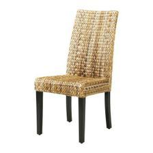 ...a k němu tyhle židle