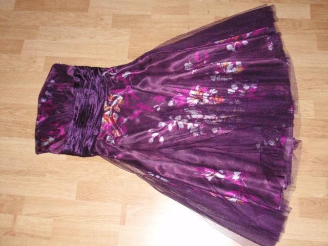 K&D 25. 4. 2009 - Popolnočné šaty