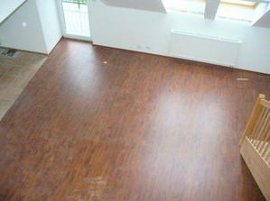 obyvacka s podlahou