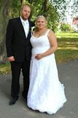 Celokrajkové svatební šaty, 48