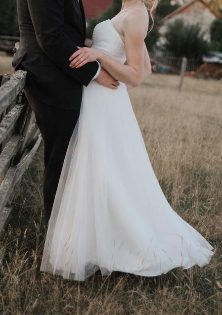 Lehké svatební šaty - Obrázek č. 1