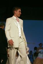 Oblek pro ženicha salon NELA