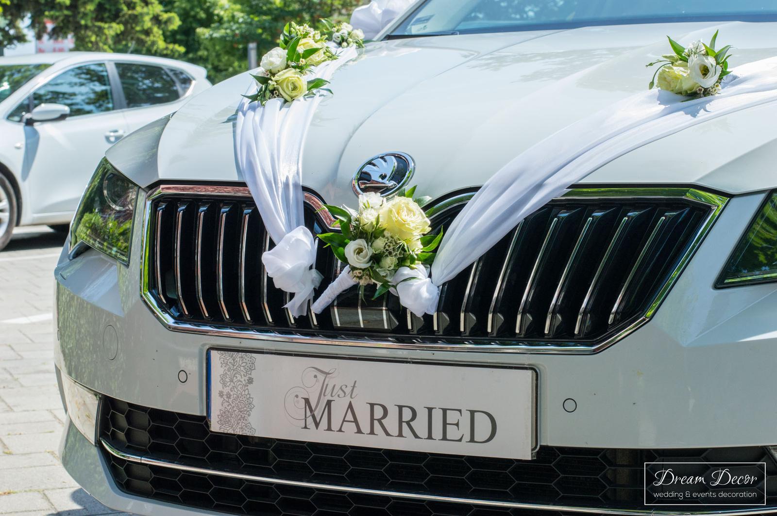 Svadobná výzdoba Hotel Tevel, Sládkovičovo - Dream Decor - výzdoba svadobného auta