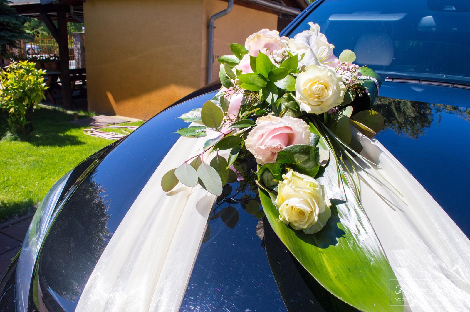 Svadobná výzdoba Reštaurácia Ister, Jelka - Výzdoba svadobného auta - Dream Decor