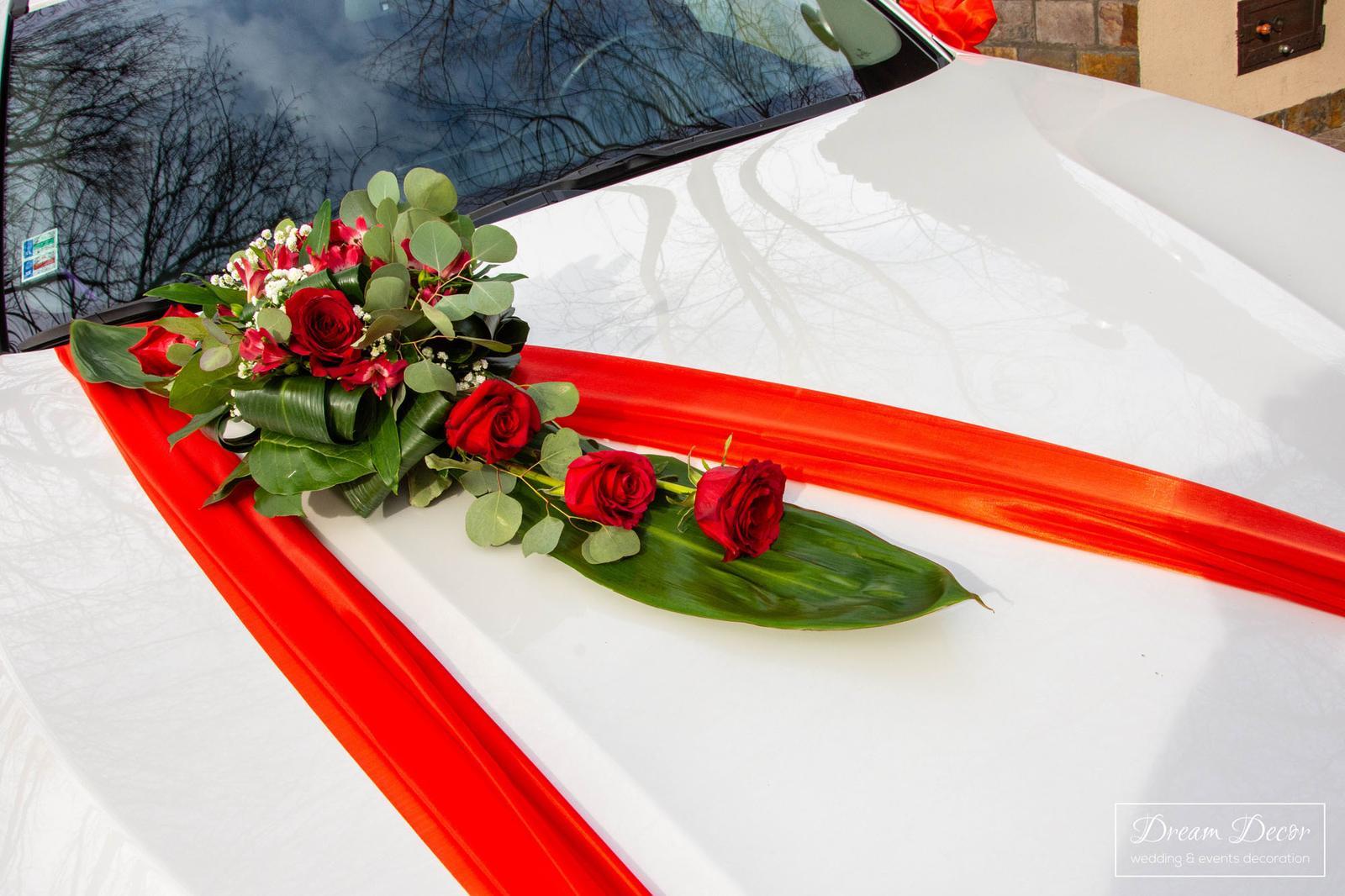 Svadobná výzdoba reštaurácie Pekidors, Michal na Ostrove - Výzdoba svadobného auta - Dream Decor