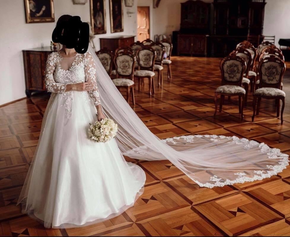 Svadobné šaty s 3D čipkou - Obrázok č. 1