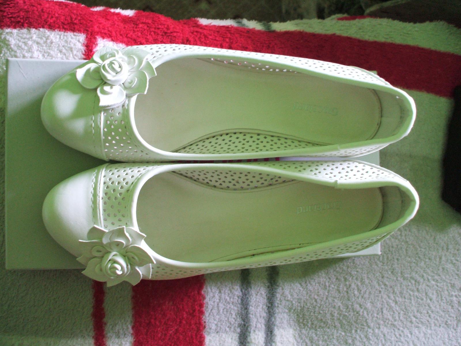 Svatební obuv - Obrázek č. 1