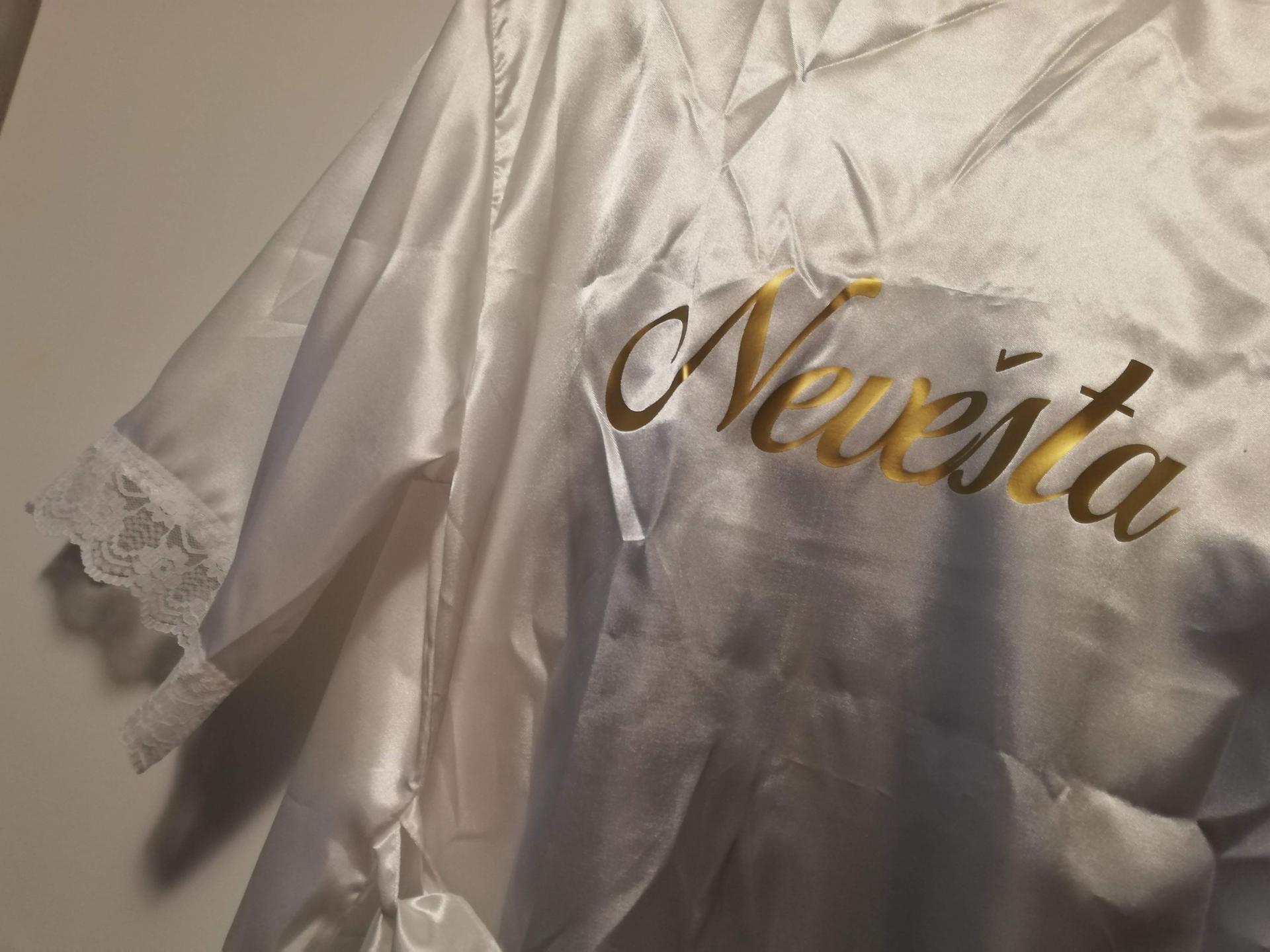 Plánování - celé od začátku - Dneska mi dorazil nádherný saténový župánek a noční košilka. <3 Objednávala jsem přes fb na profilu Berenike made with love.