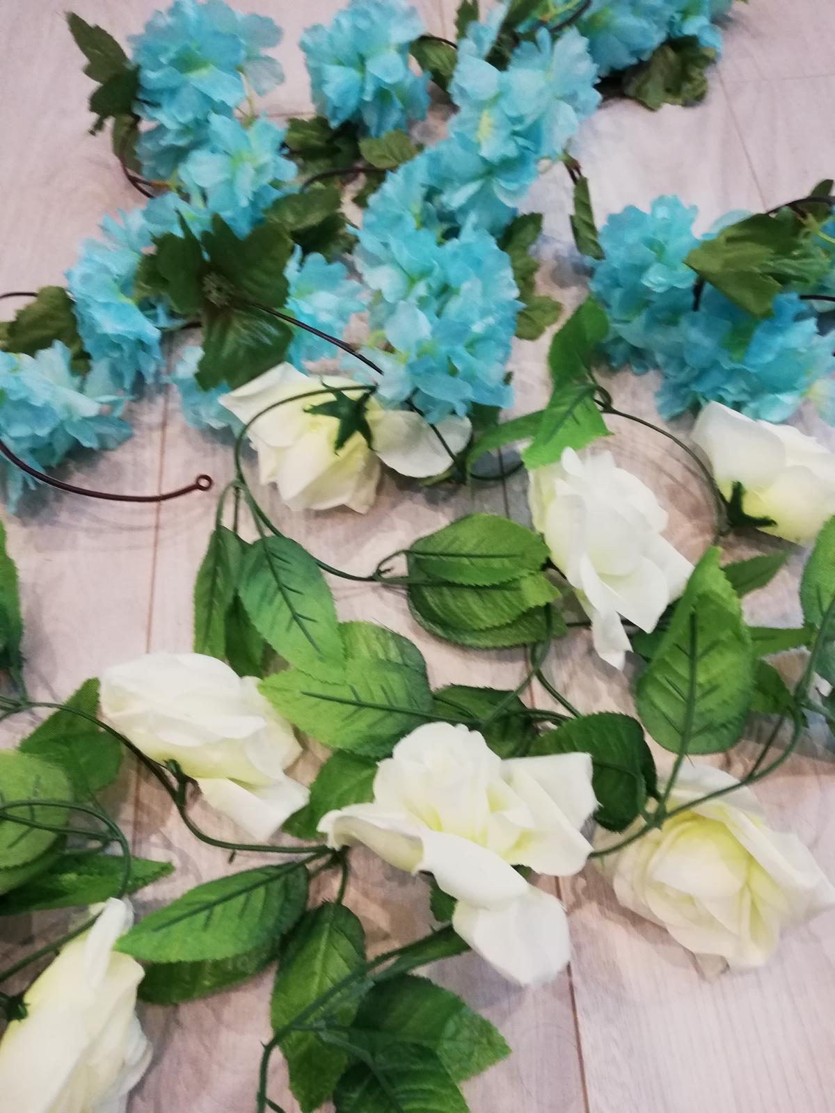Svadobná výzdoba - tyrkysové kvety - Obrázok č. 4
