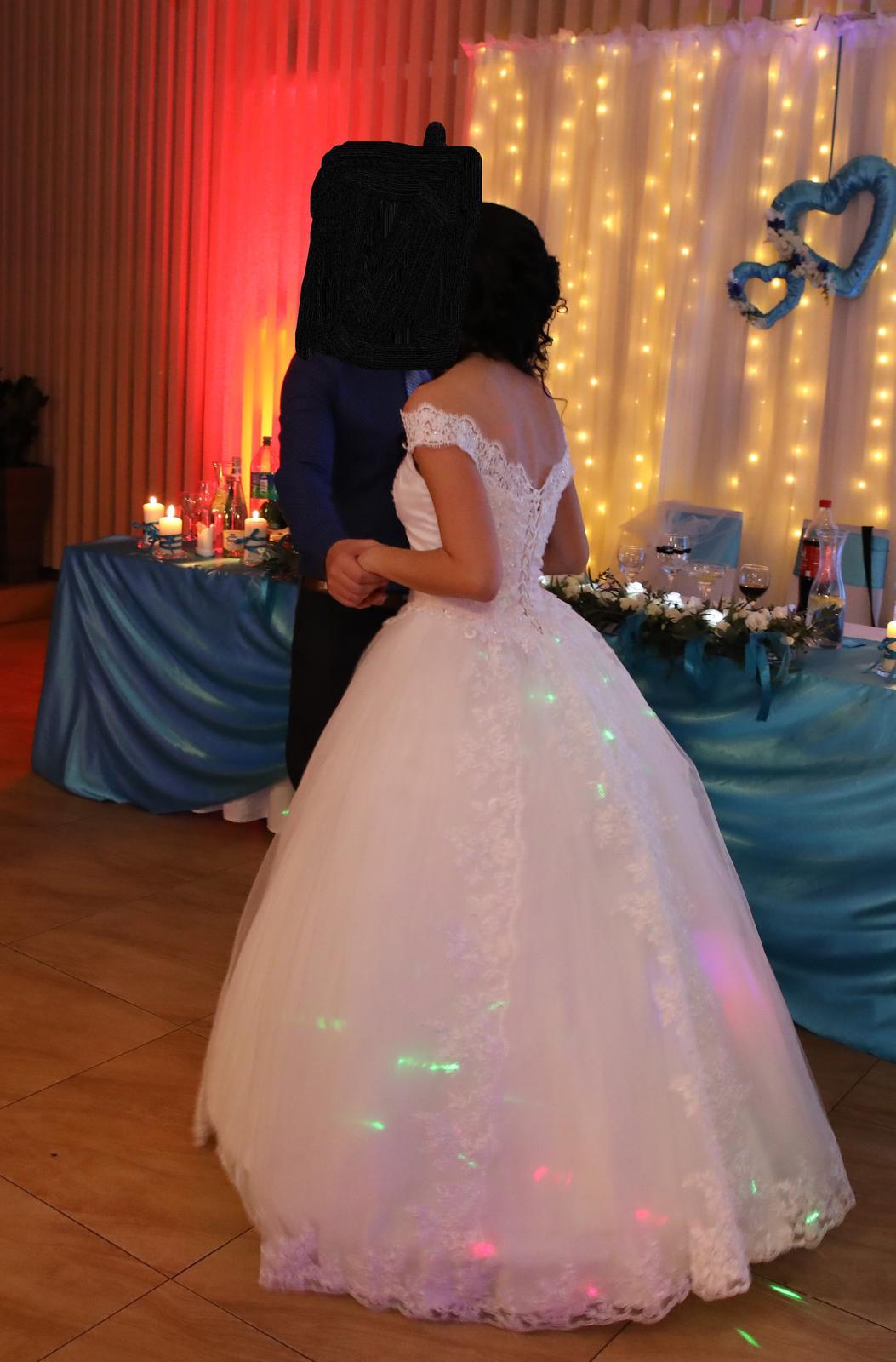 Svadobné šaty princeznovské 34-36 - Obrázok č. 1
