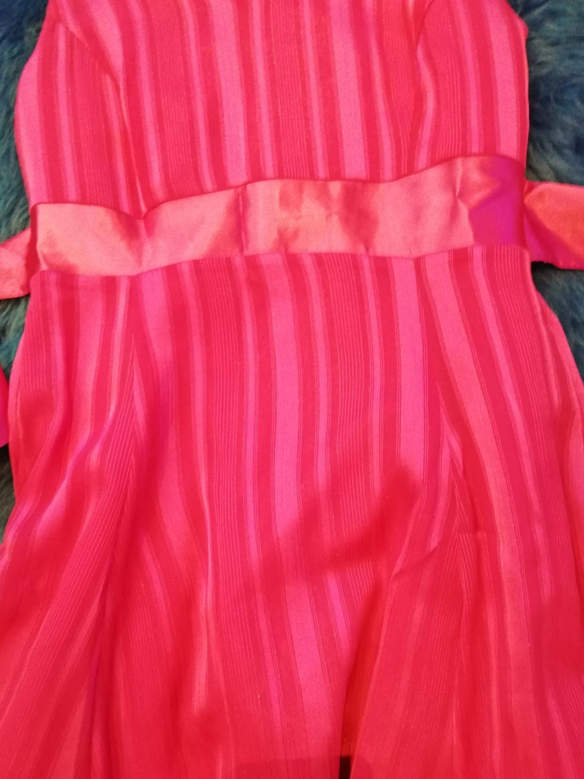 Cyklaménové šaty  - Obrázok č. 2