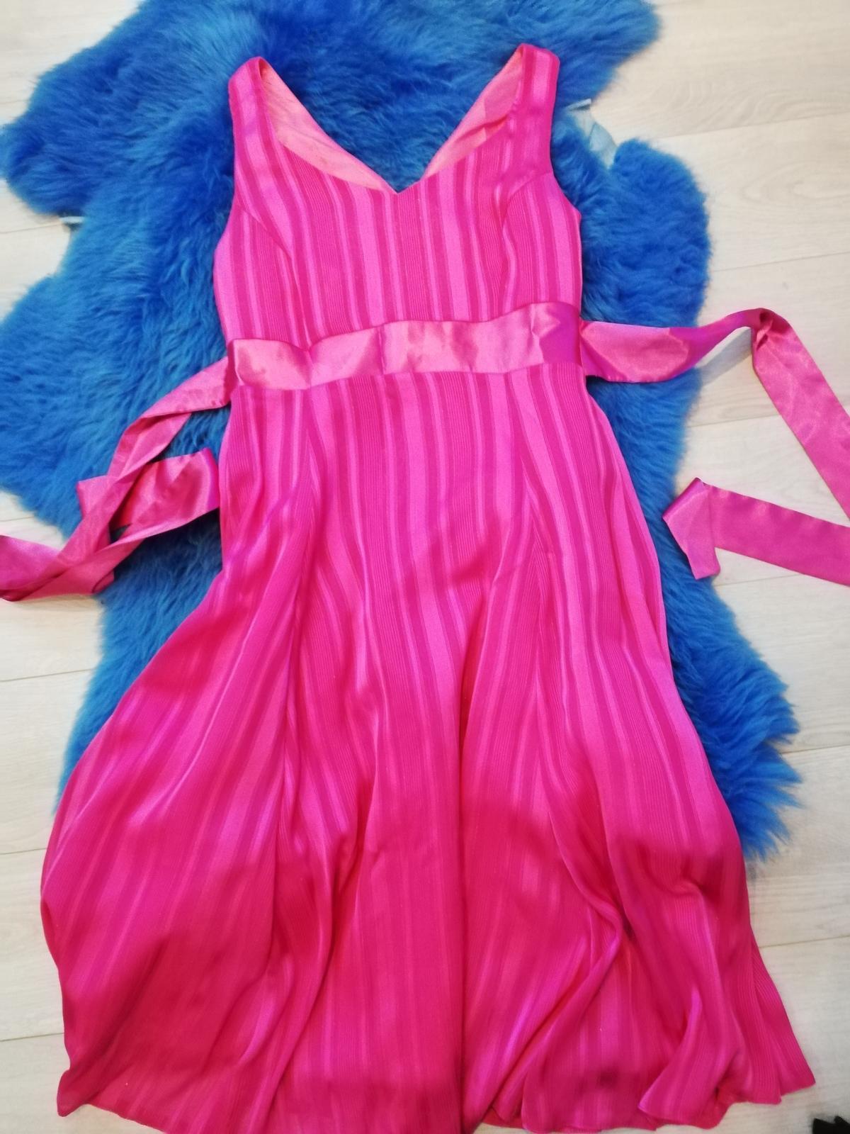 Cyklaménové šaty  - Obrázok č. 1