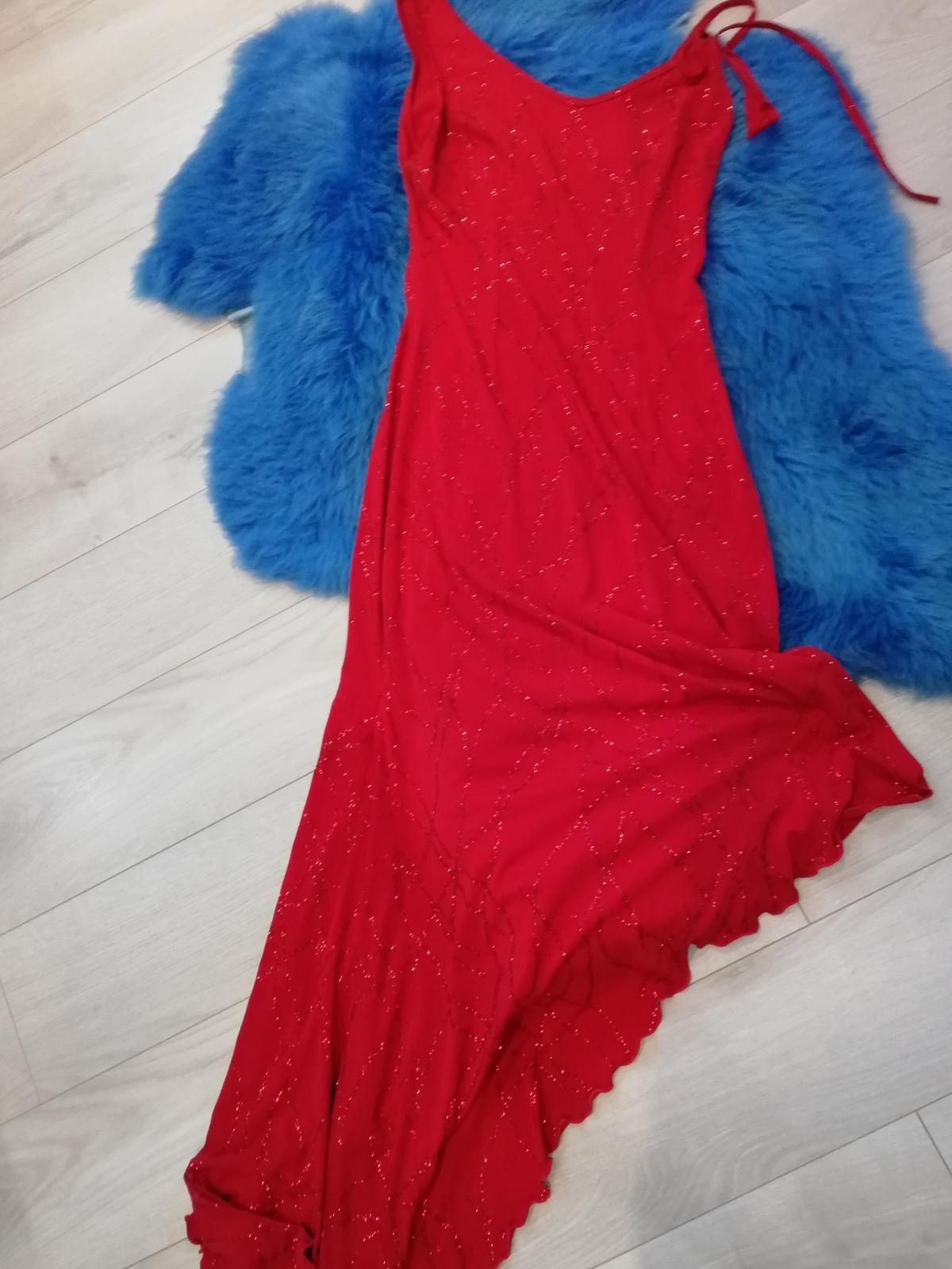 Červené dlhé trblietavé šaty - Obrázok č. 1