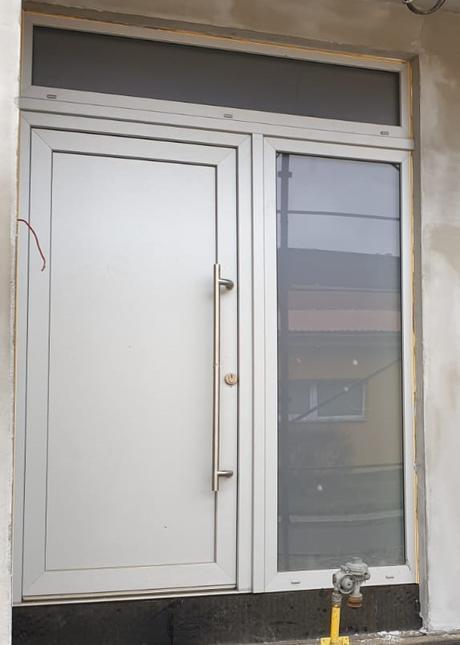 Prodám vchodové dveře - Obrázek č. 1