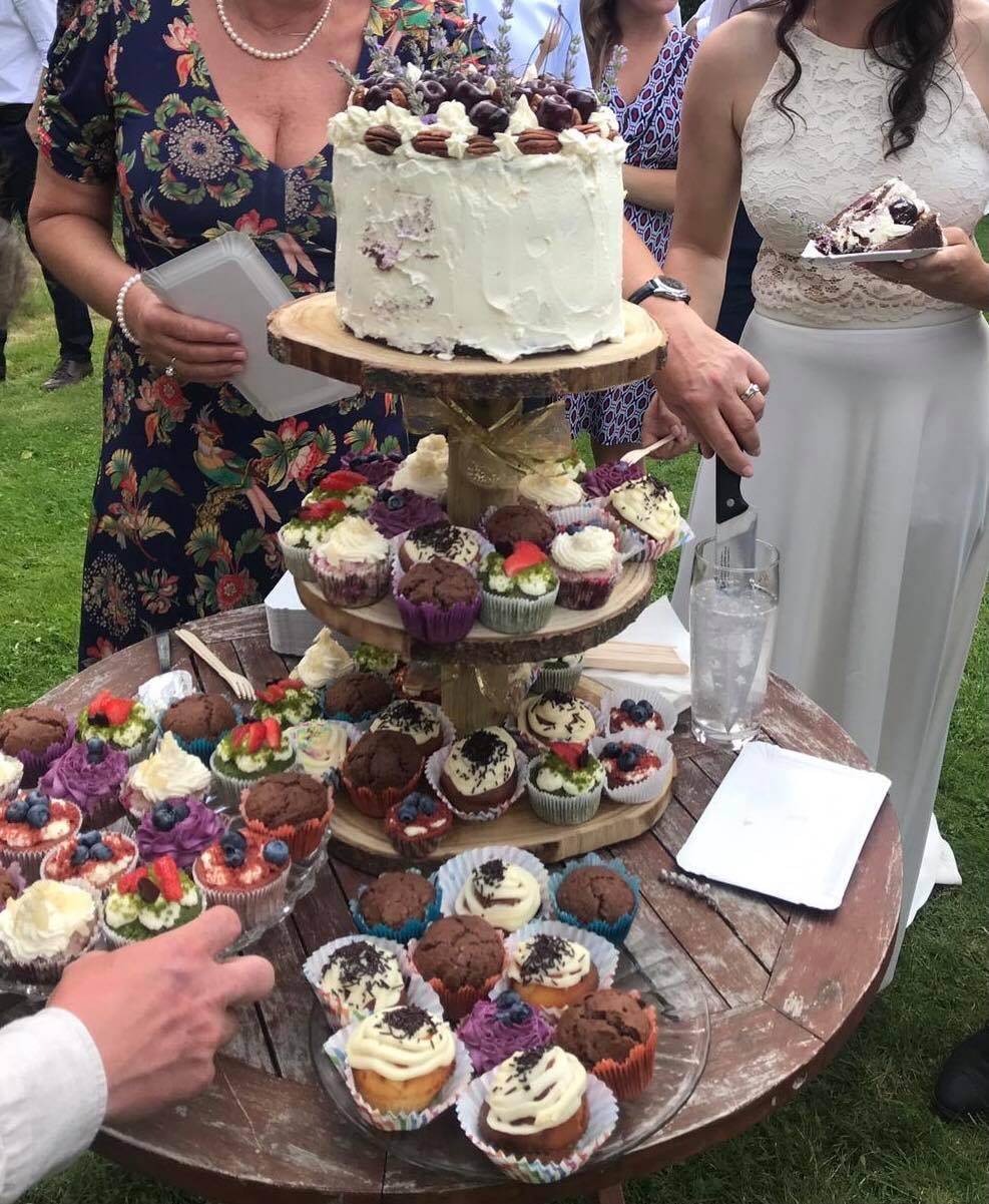 Třípatrový stojan na dort - Obrázek č. 1