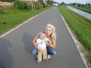 to jsem já s naším juniorem :-))