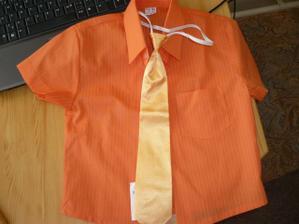 ...košile + kravata pro malého Tomáše