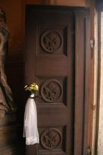 Dvere do kaple