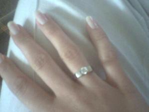 Moj zasnubny prstienok (zla foto, fotene len s mobilom)