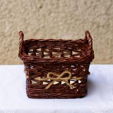 Košík dozdobený špagátom