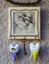 Anjelsky obrázok s vešiačikmi