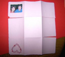 Pohrála jsem si - vnitřek je z červeného, vršek z růžového papíru.