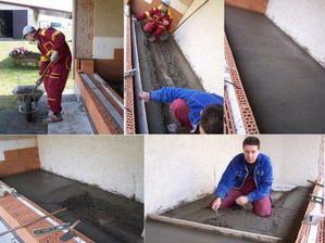 14.3.09 Počasí přeje, takže jdeme betonovat podlahu! Výsledek vypadá dobře ;o)