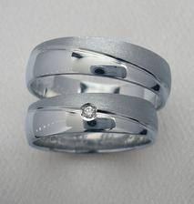 Tyto prstýnky jsou krásné