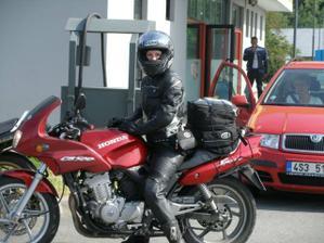 motorky jsou naše vášeň a proto budeme mít motosvatbu