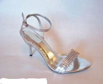 Zuzka & Maťko 28. 8. 2010 - už sa nám to kráti :) - topánočky chcem sandálky
