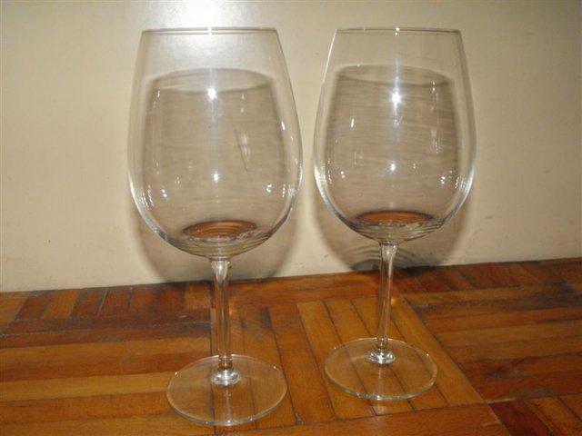 Zuzka & Maťko 28. 8. 2010 - už sa nám to kráti :) - Naše poháre, ešte treba dozdobiť