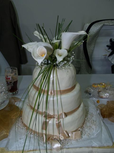Zuzka{{_AND_}}Maťko - tortička so živými kvetmi