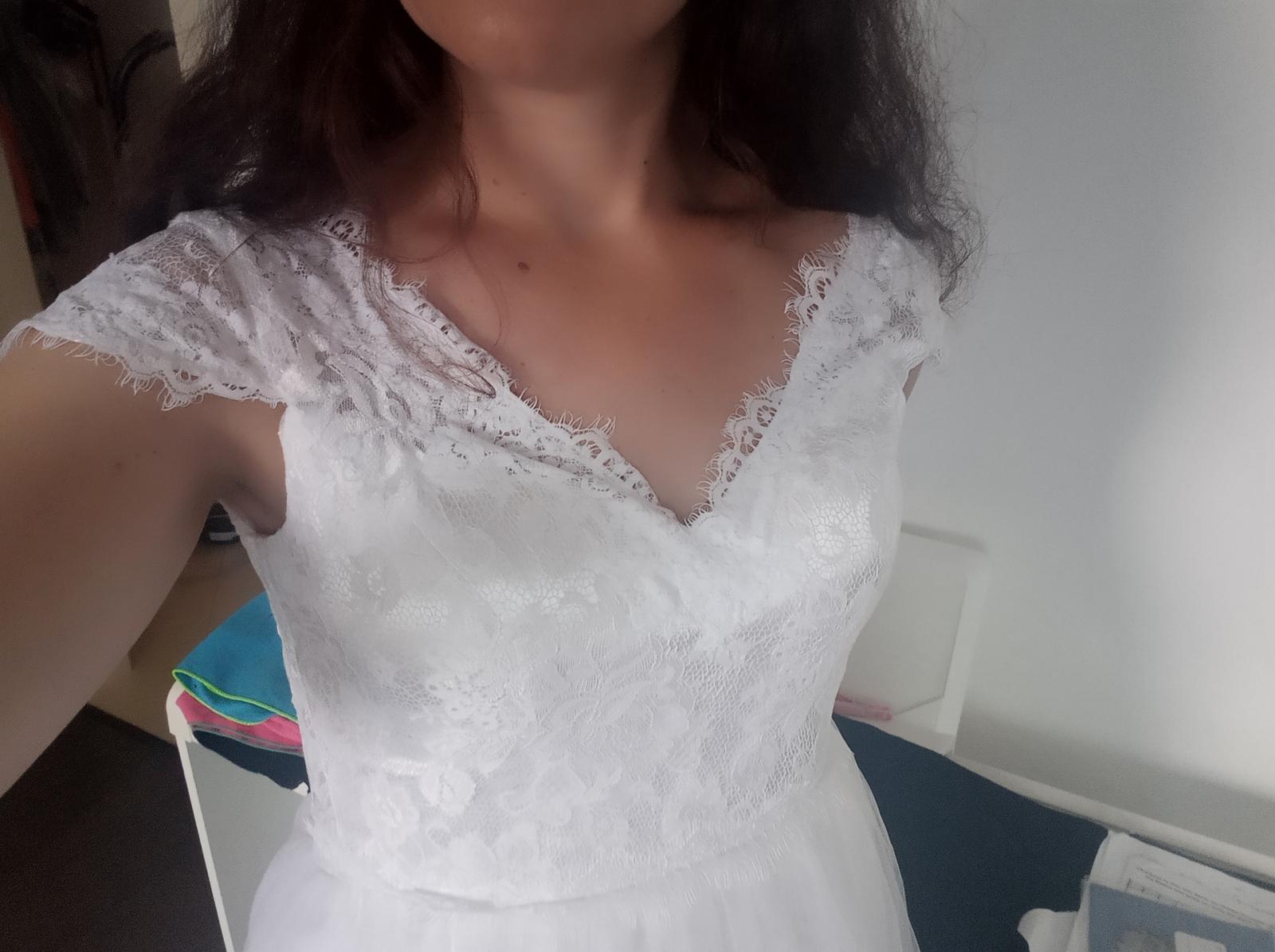 Bílé svatební šaty s krajkou vel.36-38 - Obrázek č. 1