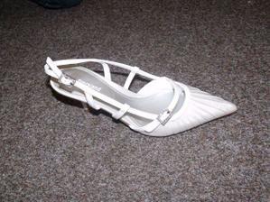 Důkaz, že jsou mé boty opravdu bílé :-)