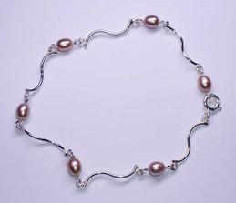 náramek - ale s bílými perličkami