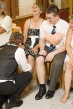 Ženich hledá nevěstu podle lýtka - našel :-)