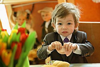Synovec na snídani..