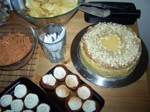svat.dort bude medovník dle mého receptu:-)