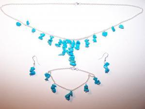 Šperky vyrobeny(stříbro-tyrkys)...netrvalo to ani hodinu a stálo to třetinu toho co by mně stál koupit celý komplet...juj to jsem šikovná