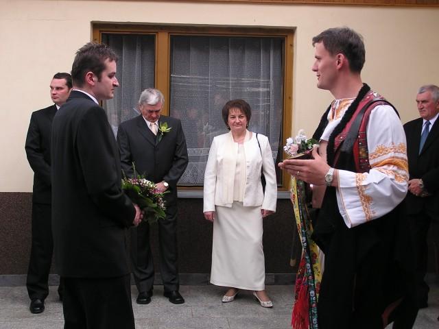 Katka{{_AND_}}Julko Lukáčovci - Rozlúčka s rodičmi