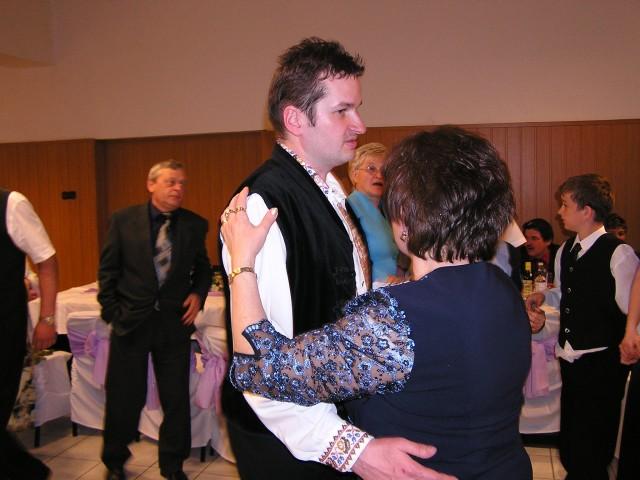 Katka{{_AND_}}Julko Lukáčovci - Tanec s maminkou